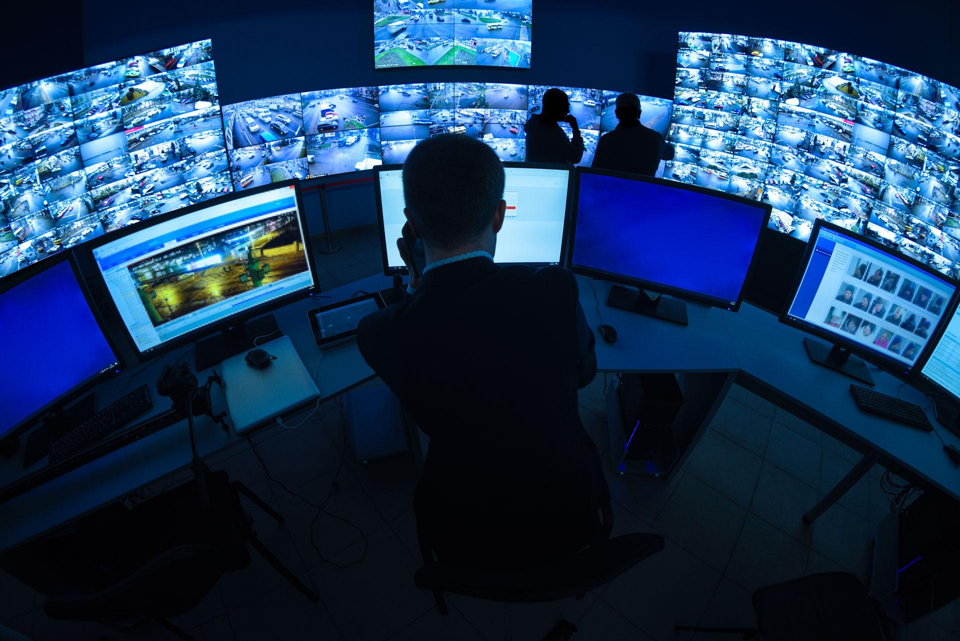 monitoring computer screens